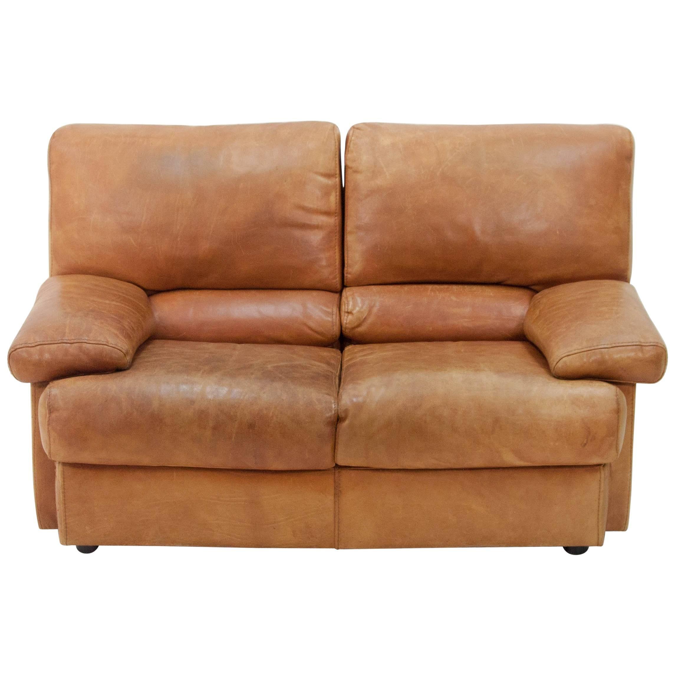 Bon Cierre Imbottiti Butterscotch Leather Sofa For Sale