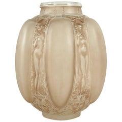 """René Lalique Vase """"Six Figurines Et Masques"""""""