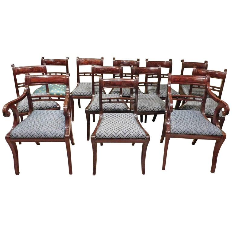 Set of 12 Classical Klismos Dining Chairs, circa 1815, Probably Philadelphia For Sale