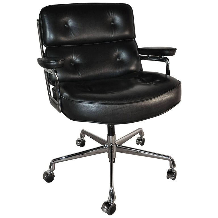 eames lobby chair es104 black leather for sale at 1stdibs. Black Bedroom Furniture Sets. Home Design Ideas