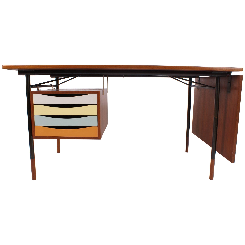 Desk Model BO-69