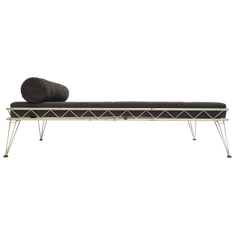 Daybed 'Arielle' by Dick Cordemeijer for Auping 1954, New Upholstery For Sale