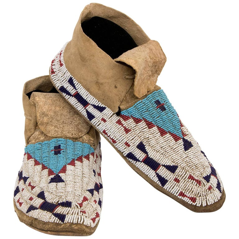 Antique Beaded Moccasins, Sioux 'Plains, Native American', 19th Century