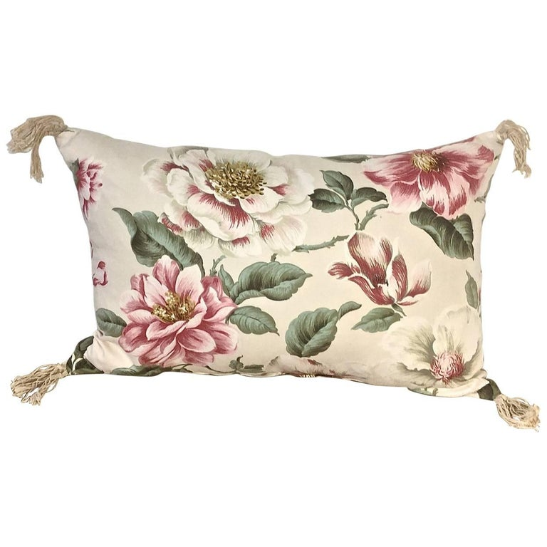 1950s-1960s Vintage English Large-Scale Print Magnolia Cotton Tasseled Pillow For Sale