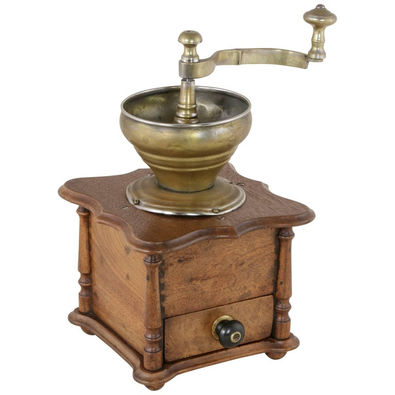 Late 19th Century French Walnut Coffee Grinder with Brass Funnel and Mechanism