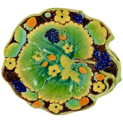 Samuel Alcock & Co. Strawberry Leaf Form Dessert Tray, England, circa 1850