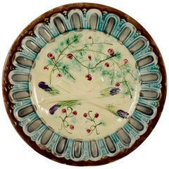 French Faïence Barbotine Majolica Gothic Bordered Asparagus Plate