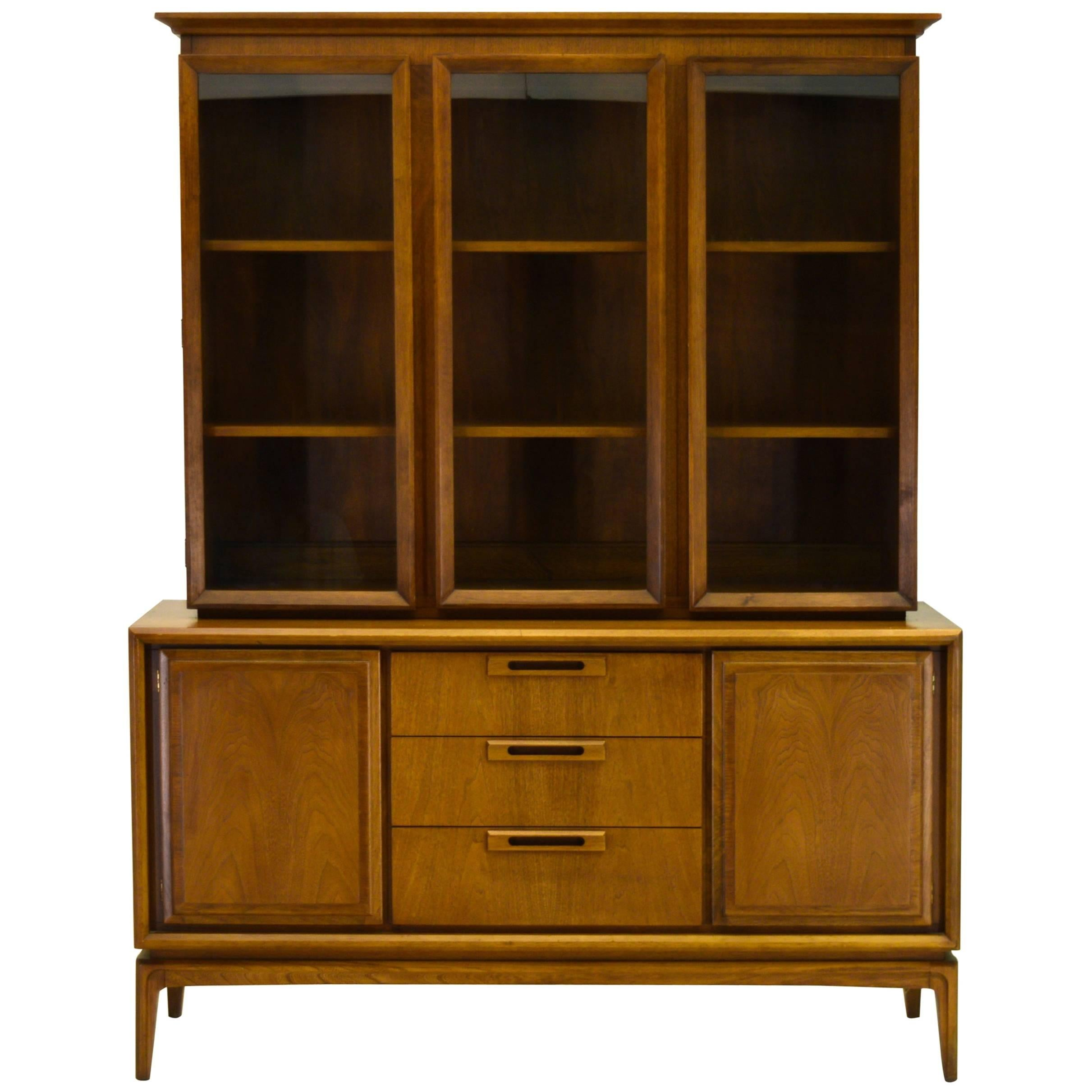 Beau Two Piece American Walnut China Cabinet And Hutch For Sale
