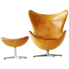 Arne Jacobsen Egg Lounge Chair and Ottoman, 1960s Fritz Hansen Leather