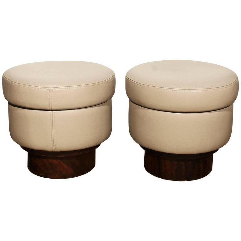 1940s Pair of Round Poufs, leather and rosewood veneer. Italy