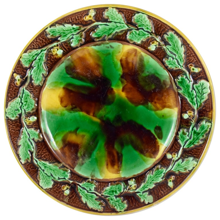 English Majolica Mottled Tortoiseshell Cheese Tray, Oak Leaf and Acorn Border