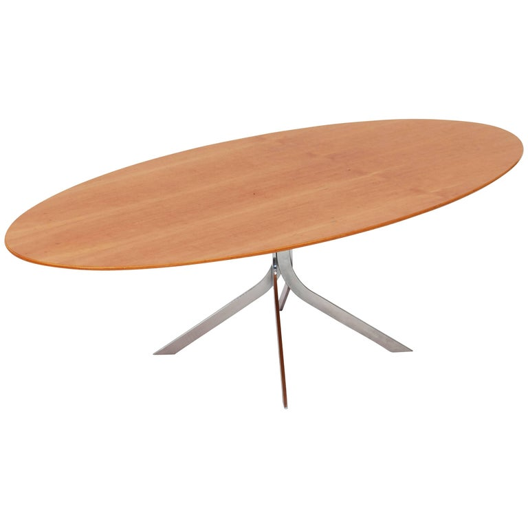 Mid-Century modern Danish design oval coffee table  For Sale