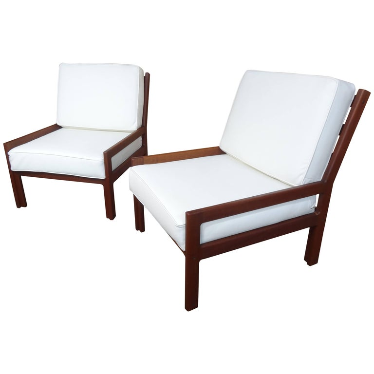 1960 Set of Retro White leather minimalistic Teak Lounge Chairs