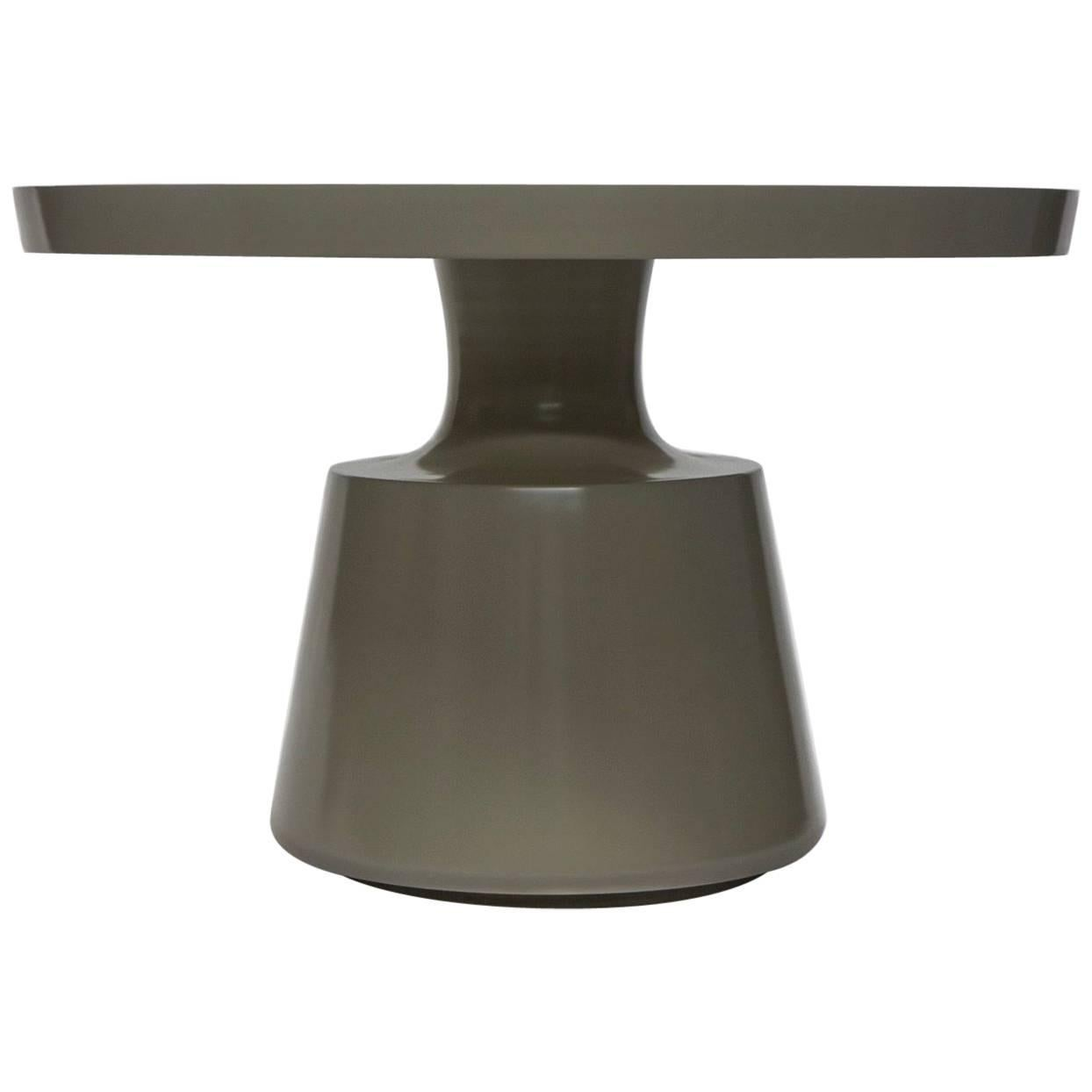 Beautiful Onda Entry Table With A Sculptural Pedestal And Lacquered Finish  For Sale