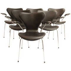 Arne Jacobsen Seven Dining Chairs Model 3207, Set of Six