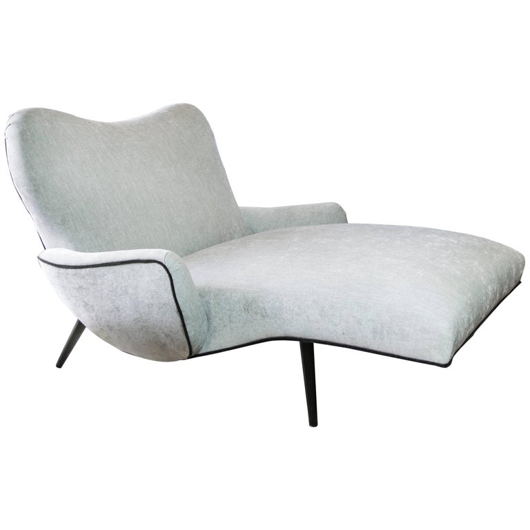 Double wide chaise longue in the style of adrian pearsall for Chaise longue double exterieur