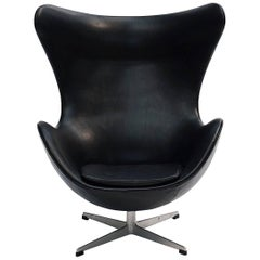 Scandinavian Modern Arne Jacobsen Egg Chair, Early Production