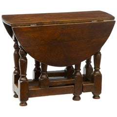 Late 19th Century Small Oak Gateleg Side Occasional Table