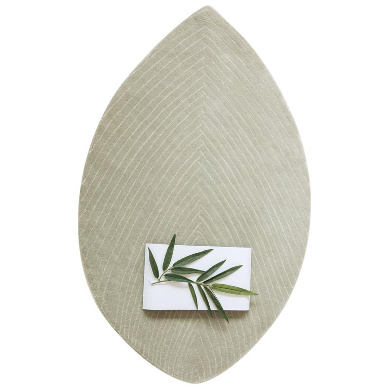 Quill Small Light Gray Hand-Tufted Rug Nao Tamura in Stock For Sale