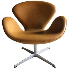 Arne Jacobsen Swan Chair Tan Leather for Fritz Hansen, 2007, Danish