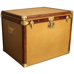 1930s Beige Canvas Steamer Trunk in the Style of Louis Vuitton or Hermes