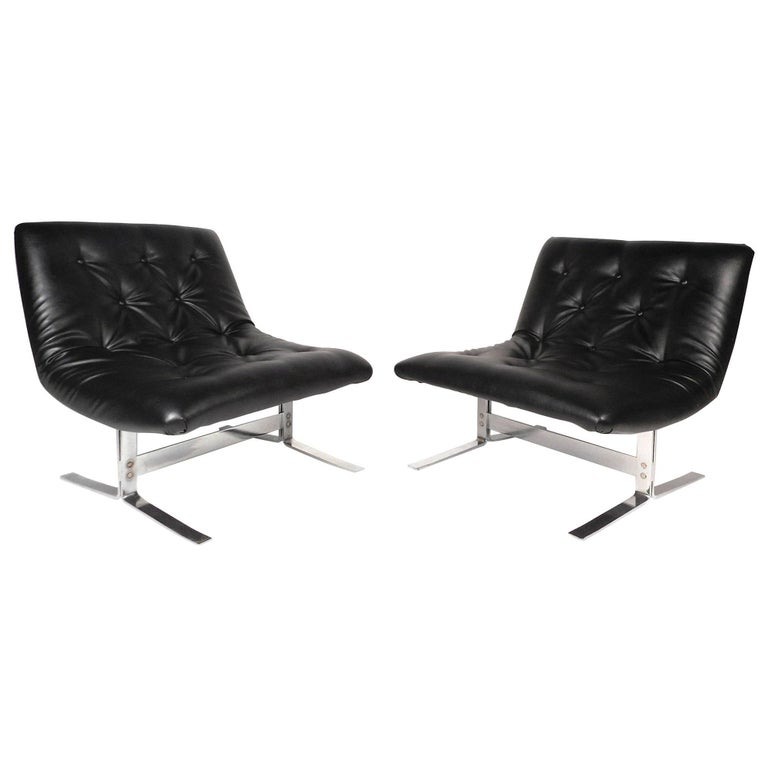 Mid-Century Modern Slipper Lounge Chairs in the Style of Milo Baughman
