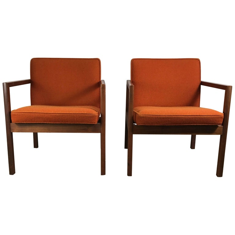 Pair of Midcentury Solid Walnut Lounge Chairs by Stow Davis