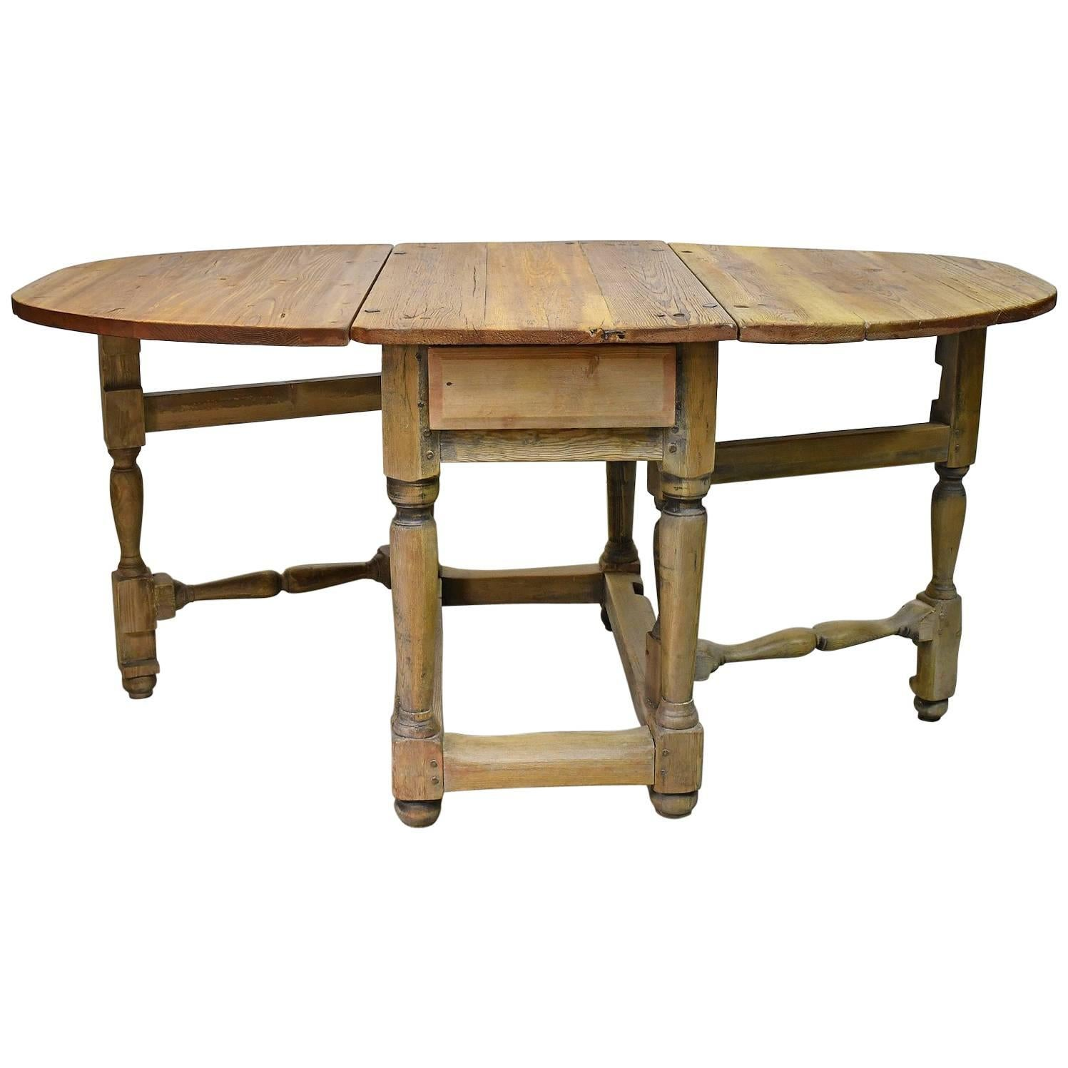 18th Century Norwegian Baroque Drop Leaf Farmhouse Table In Pine For Sale