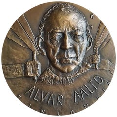 Rare Alvar Aalto Medal by Finnish Artist Eila Hiltunen, 1974