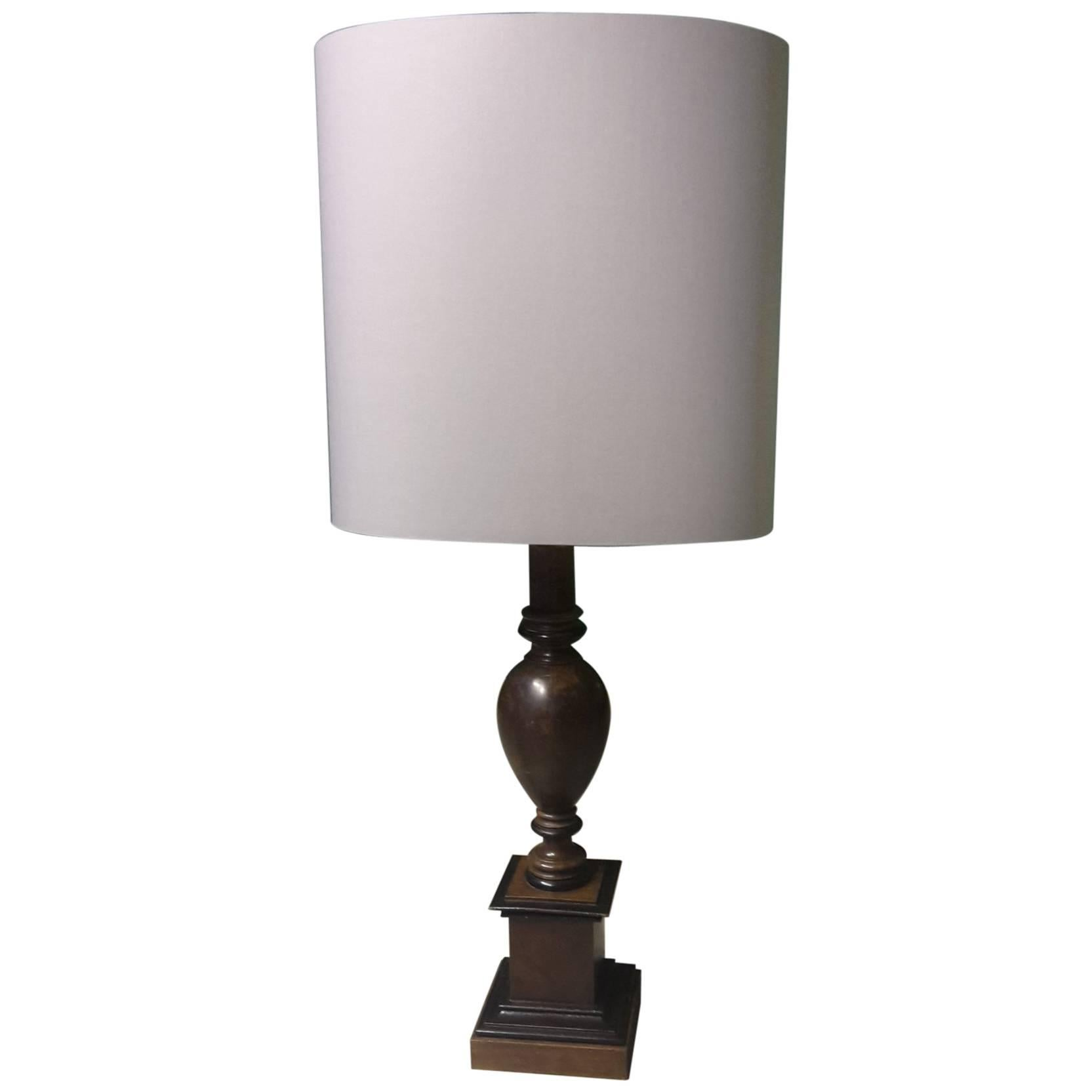 20th Century French Table Lamp Made Of Turned Mahogany And Oak With Grey  Shade For Sale