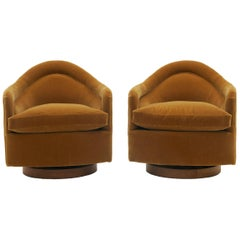 Pair of Tilt and Swivel Barrel Chairs by Milo Baughman for Thayer Coggin
