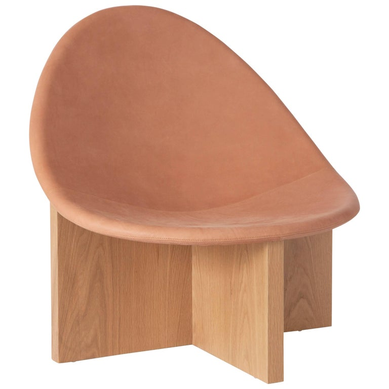 Nido Modern Lounge Chair, White Oak Base & Blush Leather seat by Estudio Persona For Sale
