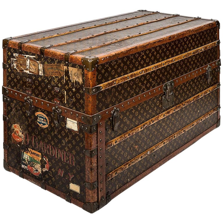 Early 20th Century Louis Vuitton Travel Wardrobe Trunk For Sale