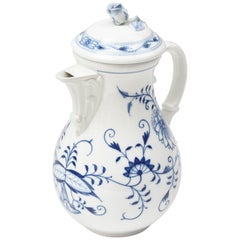 Meissen Blue Onion Coffee Pot, Vibrantly Painted and Very Nice Condition