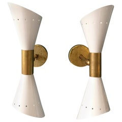 Vintage White Lacquered Metal and Brass Sconces in Stilnovo Style, Set of Two