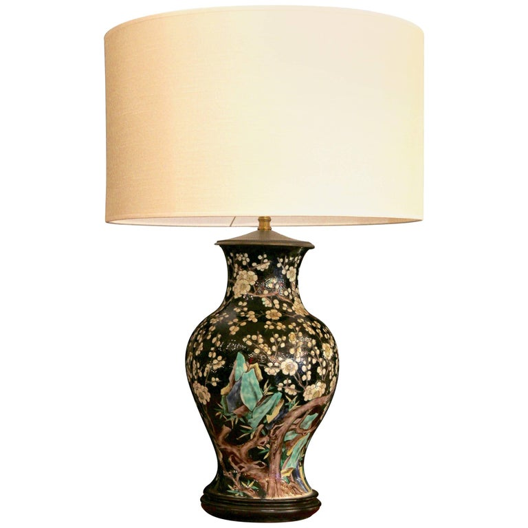 Chinese Vase Mounted in Lamp, Gilded Bronze, 19th Century Chinese Artwork For Sale
