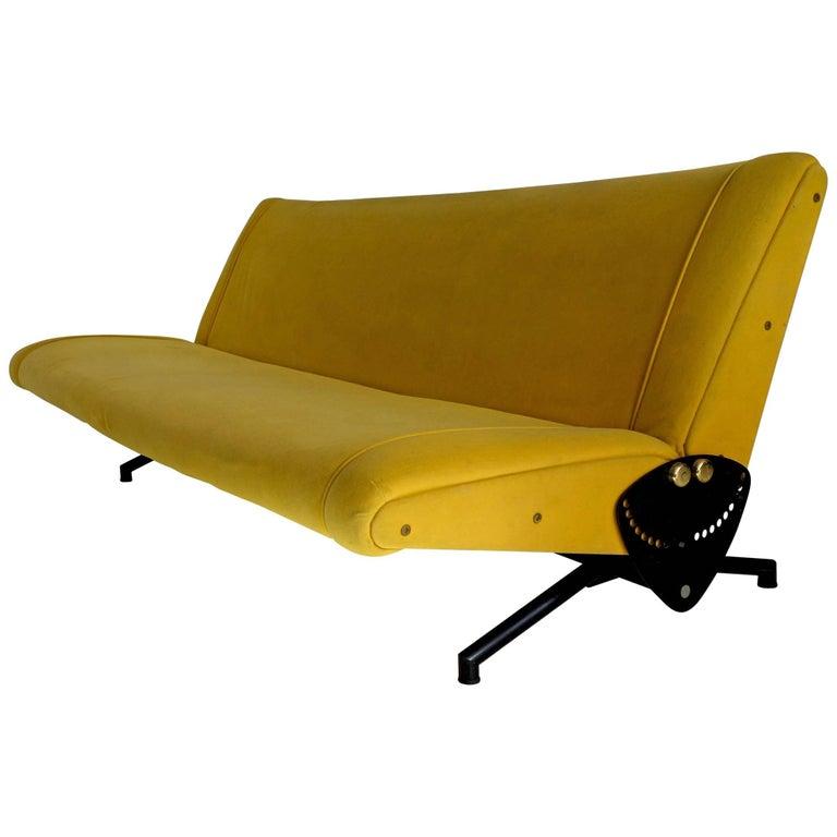 Midcentury Osvaldo Borsani Sofa Model D70 for Tecno