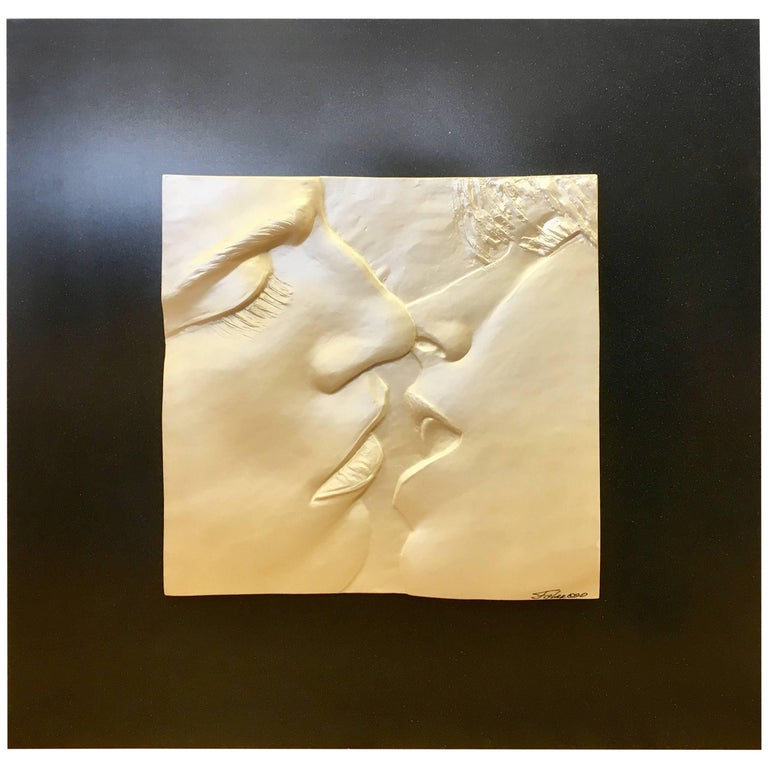 The Kiss Original Signed Sculpture Relief, Figler, 1990 For Sale