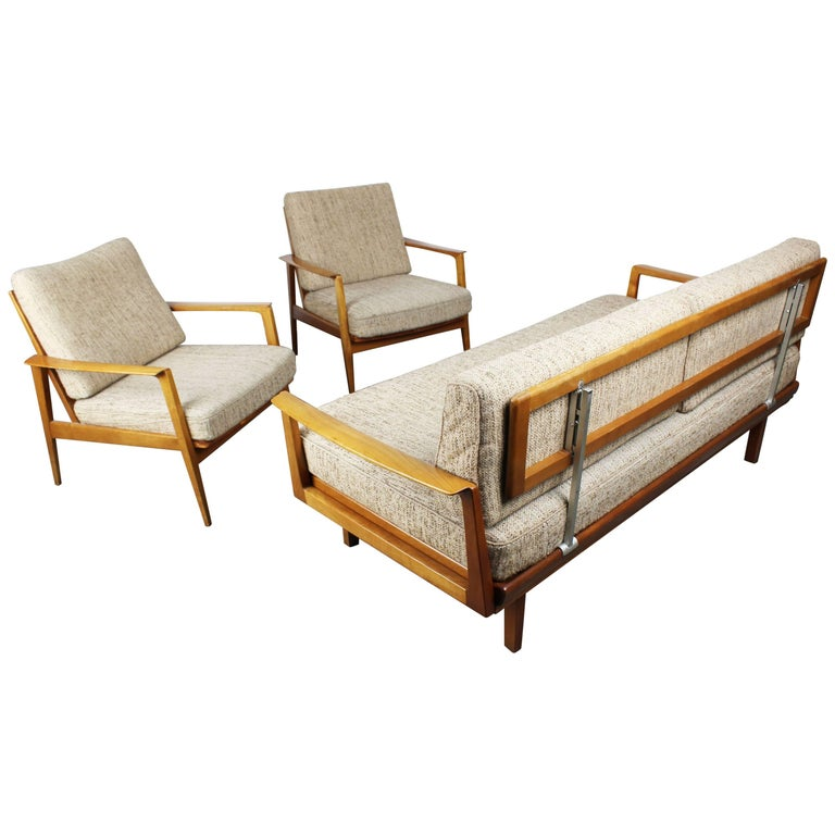 Full Original Knoll Antimott Set 1950 with Easy Chairs and Daybed Beige Brown