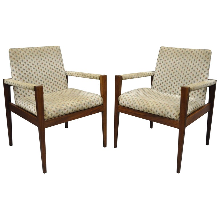 Pair of Jens Risom Walnut Lounge Armchairs by Gaylord Brothers with Tapered Legs