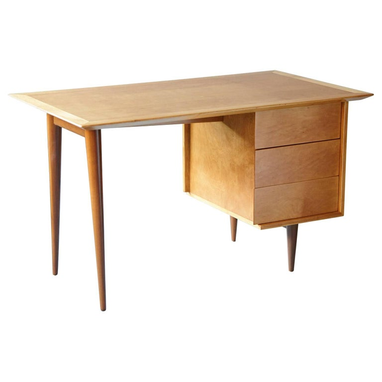 Rare Early Florence Knoll Maple Desk, Model 17 Completely Restored For Sale
