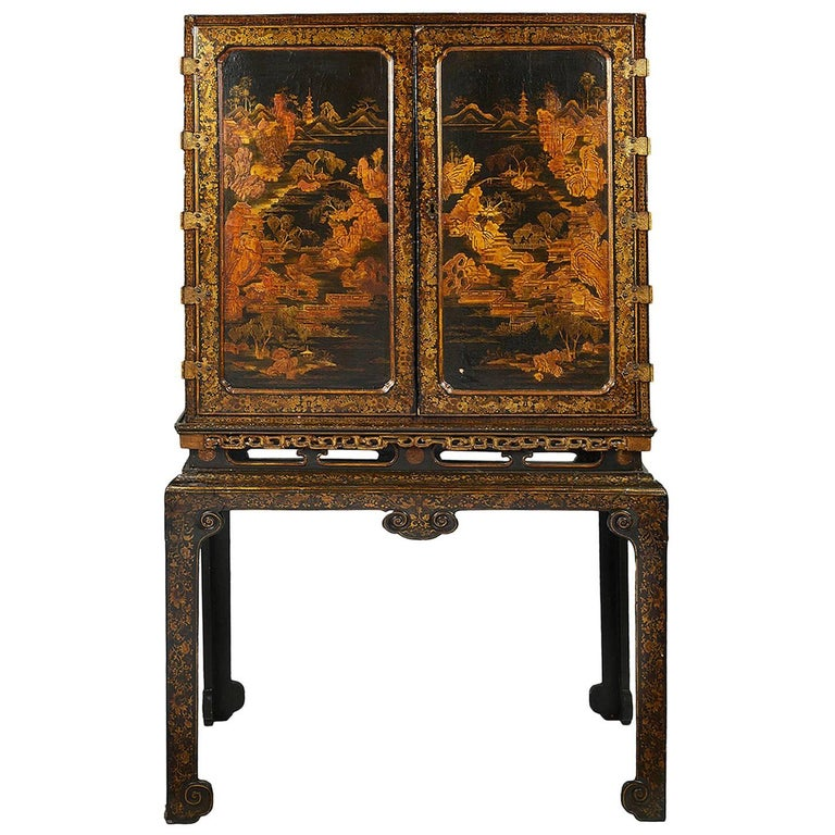 18th Century Lacquer Cabinet on Stand For Sale
