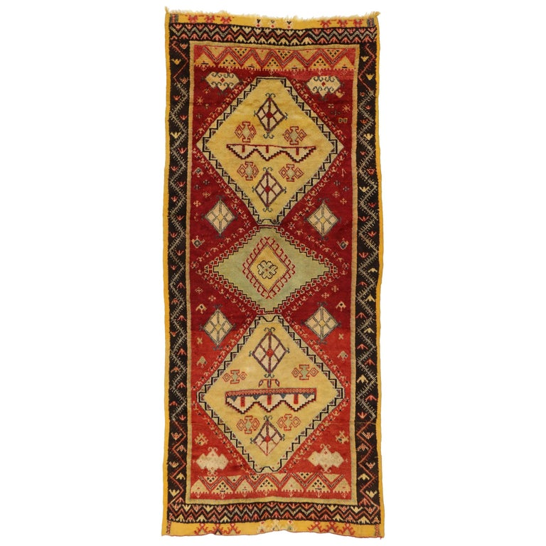 Vintage Berber Moroccan Rug with Modern Tribal Style For Sale