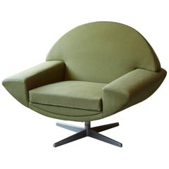 Johannes Andersen 'Capri' Green Swivel Lounge Chair for Trensums, Denmark, 1960s