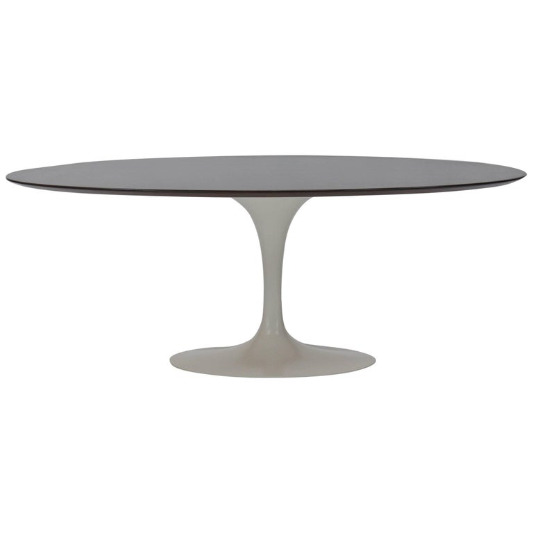 Oval Tulip Dining Table by Eero Saarinen for Knoll