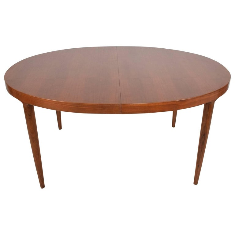 Midcentury Danish Modern Teak Dining Table in Excellent Condition