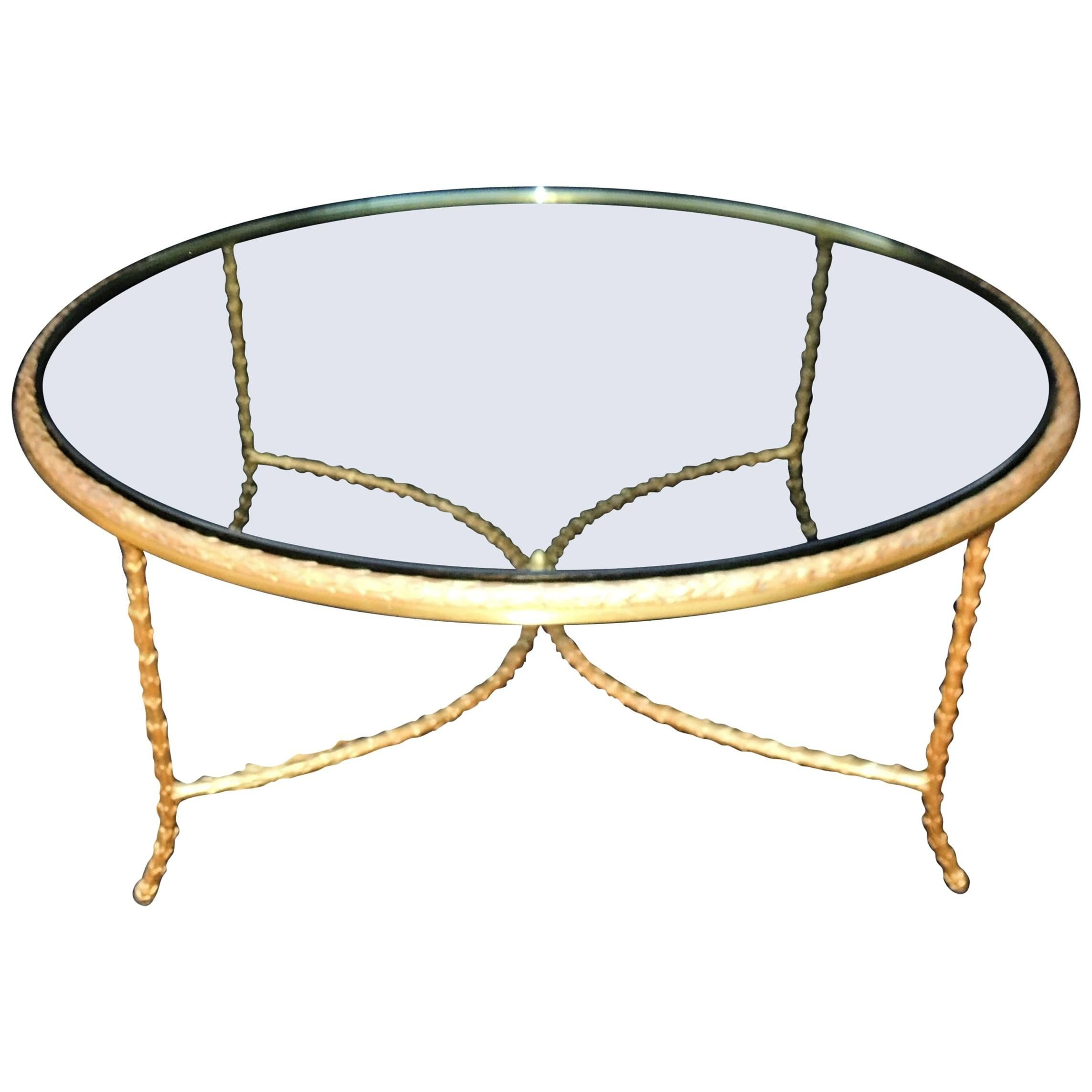 Superieur Wonderful French Gilt Bronze Leaf Round P.E. Guerin Glass Coffee Cocktail  Table For Sale