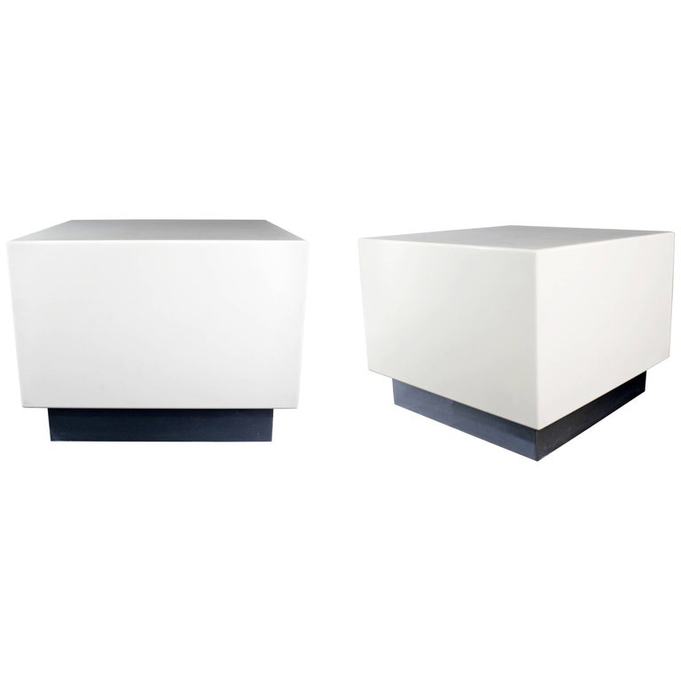 Mid-Century Modern Pair of White Lacquer Chrome Side End Tables Nightstands