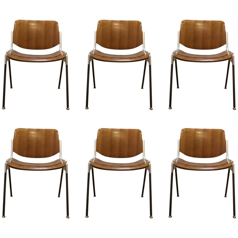 Set of Six Mid-Century Modern Chairs by Giancarlo Piretti, Italy, 1970s For Sale