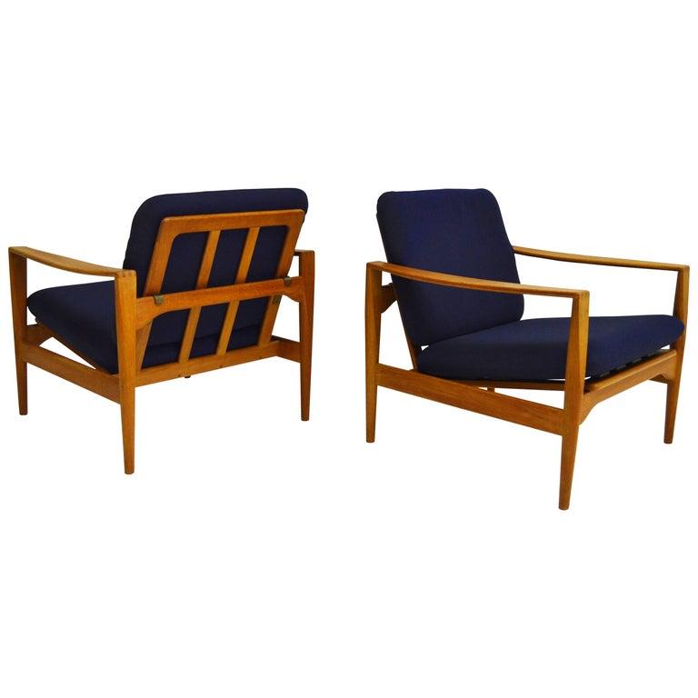 Pair of Midcentury Easy Chairs by Danish Designer Illum Wikkelsø